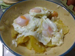 Huevos rotos previos a la rotura.